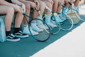 tennis team - foto: Christian Tenguan (Unsplash)